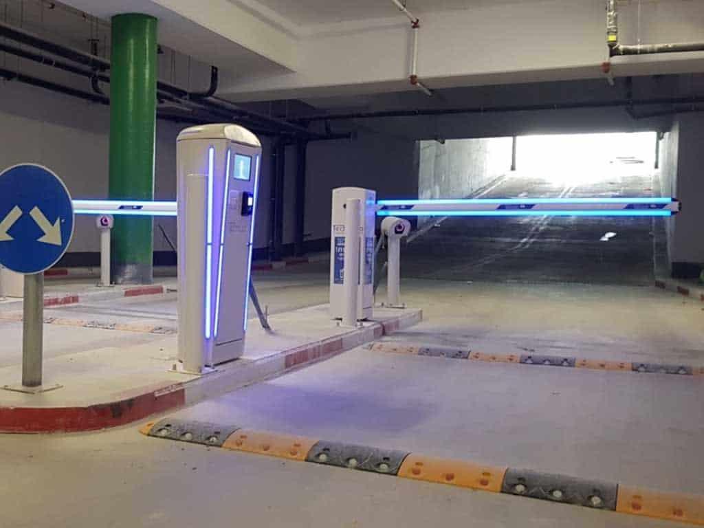 שער חניה חשמלי זוהר