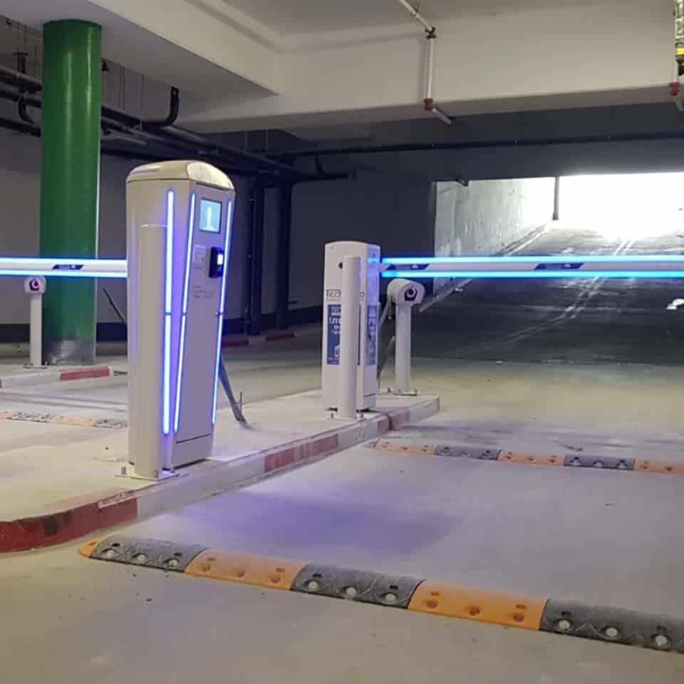 שער חשמלי לחניון